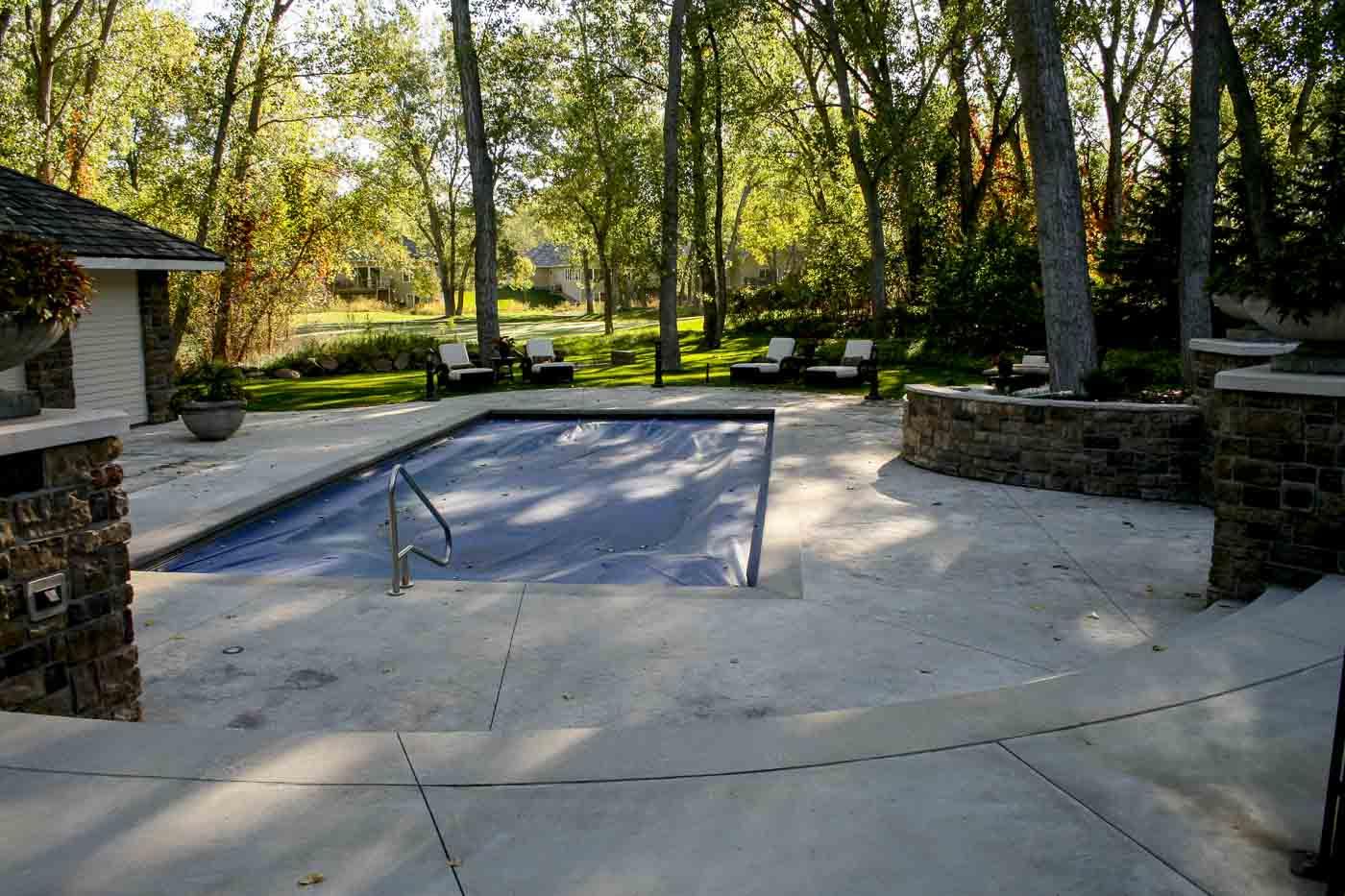 2009 Aquatech fibreglass pool cover