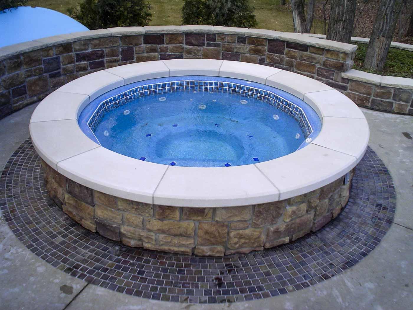 2009 Aquatech fibreglass pool hot tub