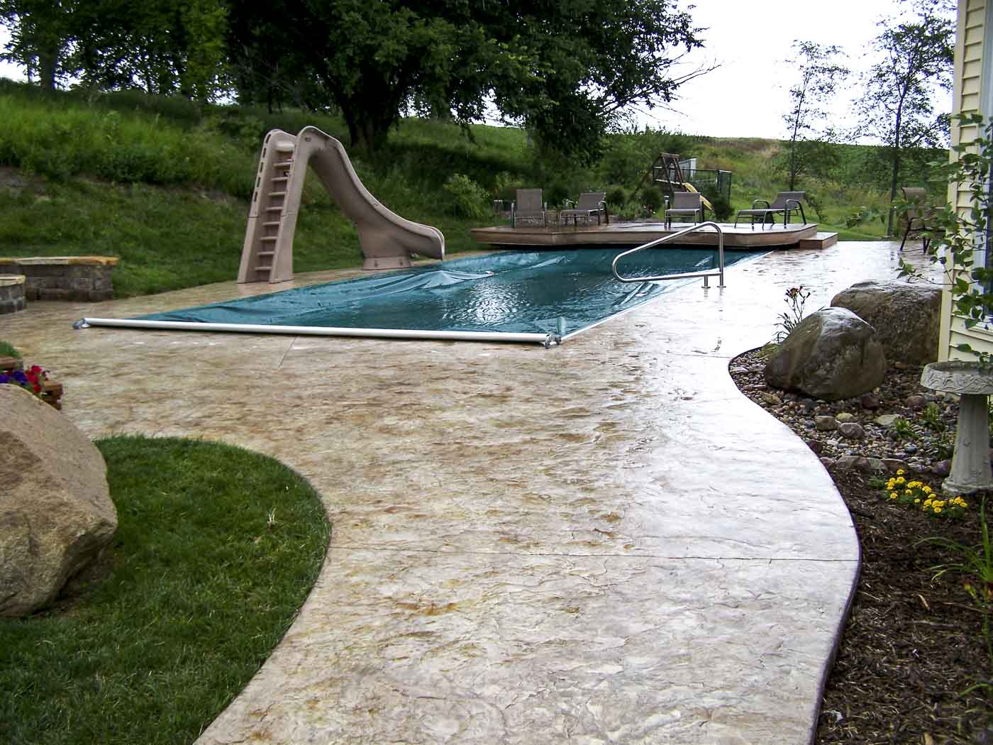 2010 aquatech fiberglass pool