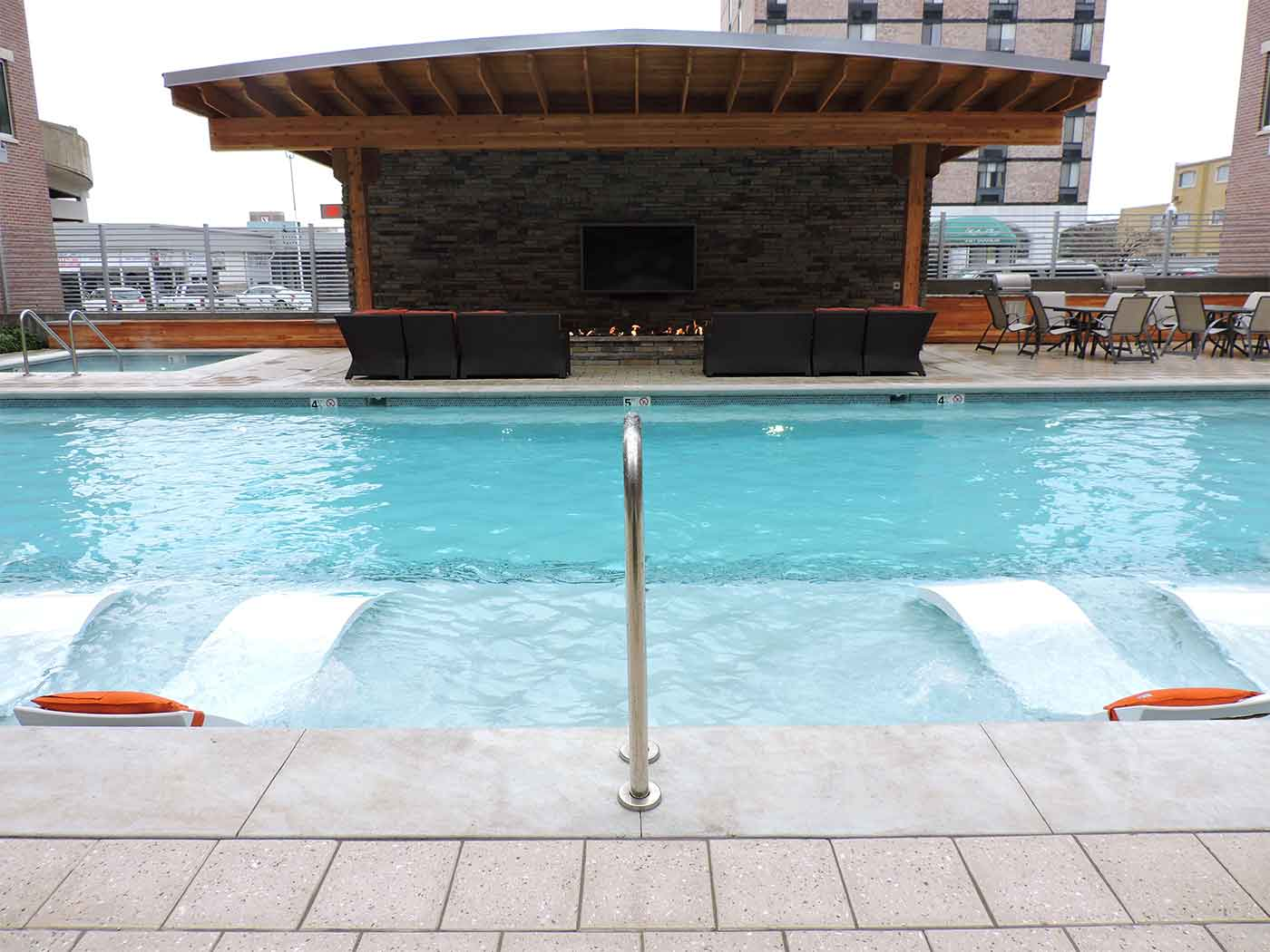 commercial pool h20