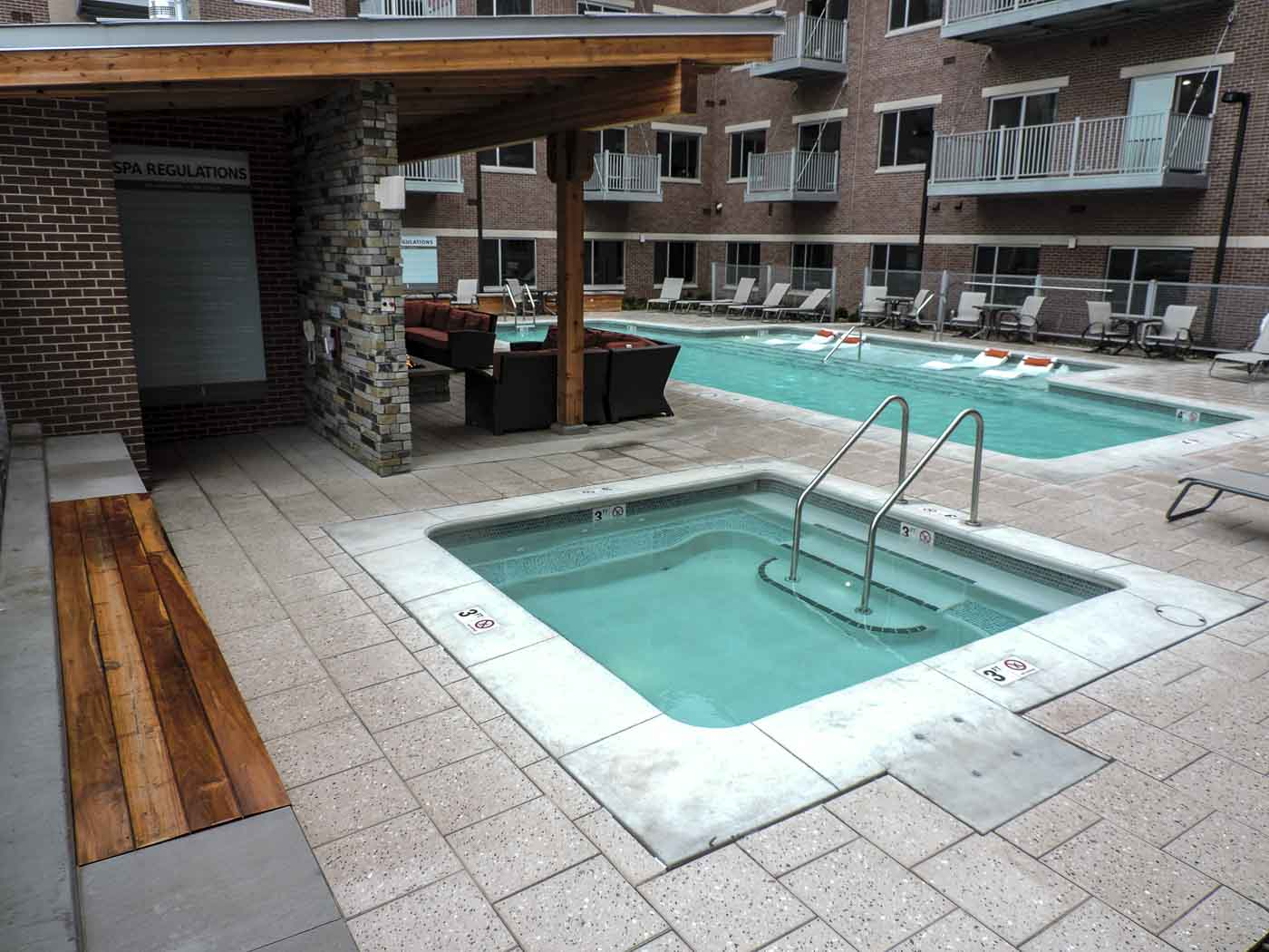h20 commercial pool side pool